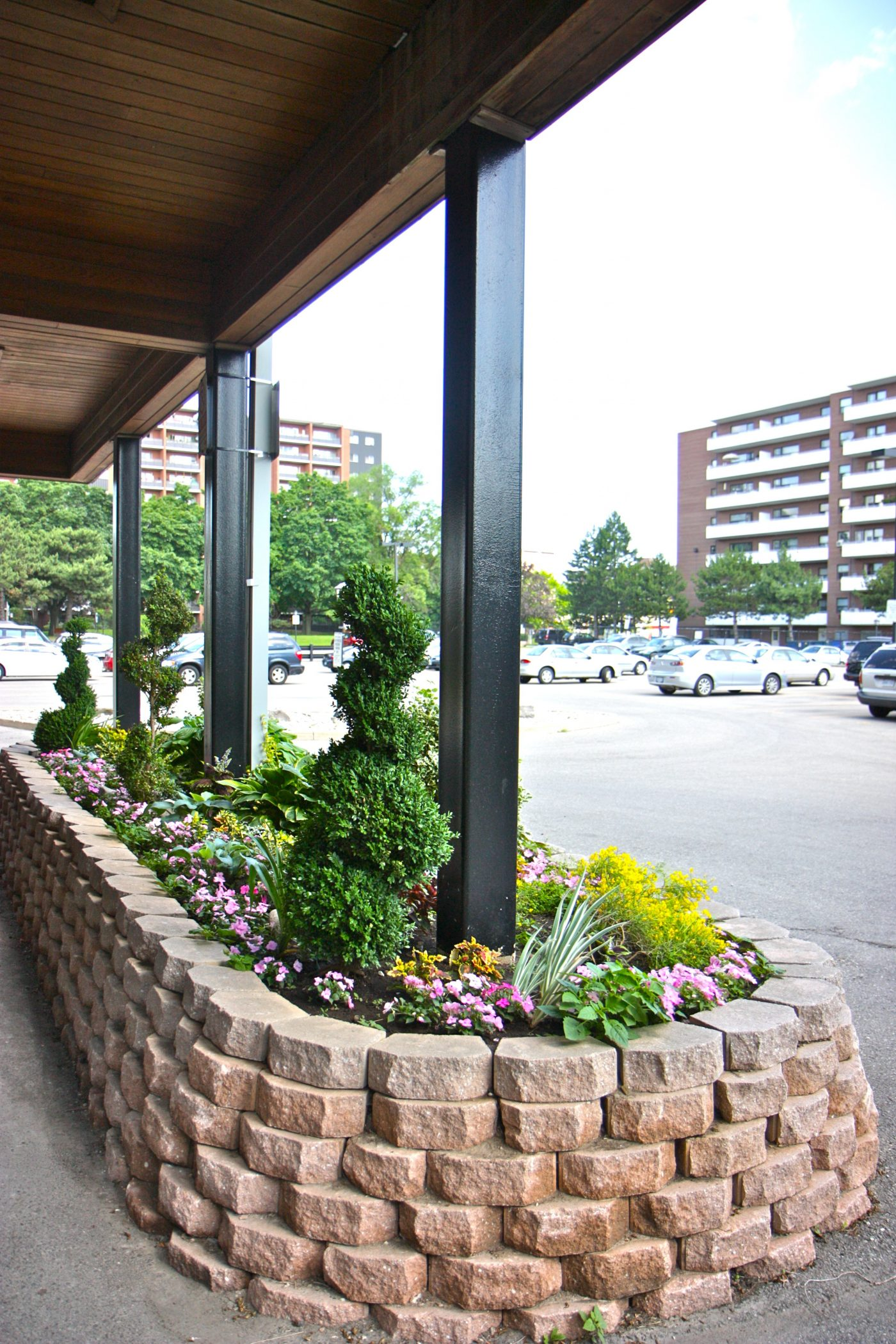 1660 entrance planting
