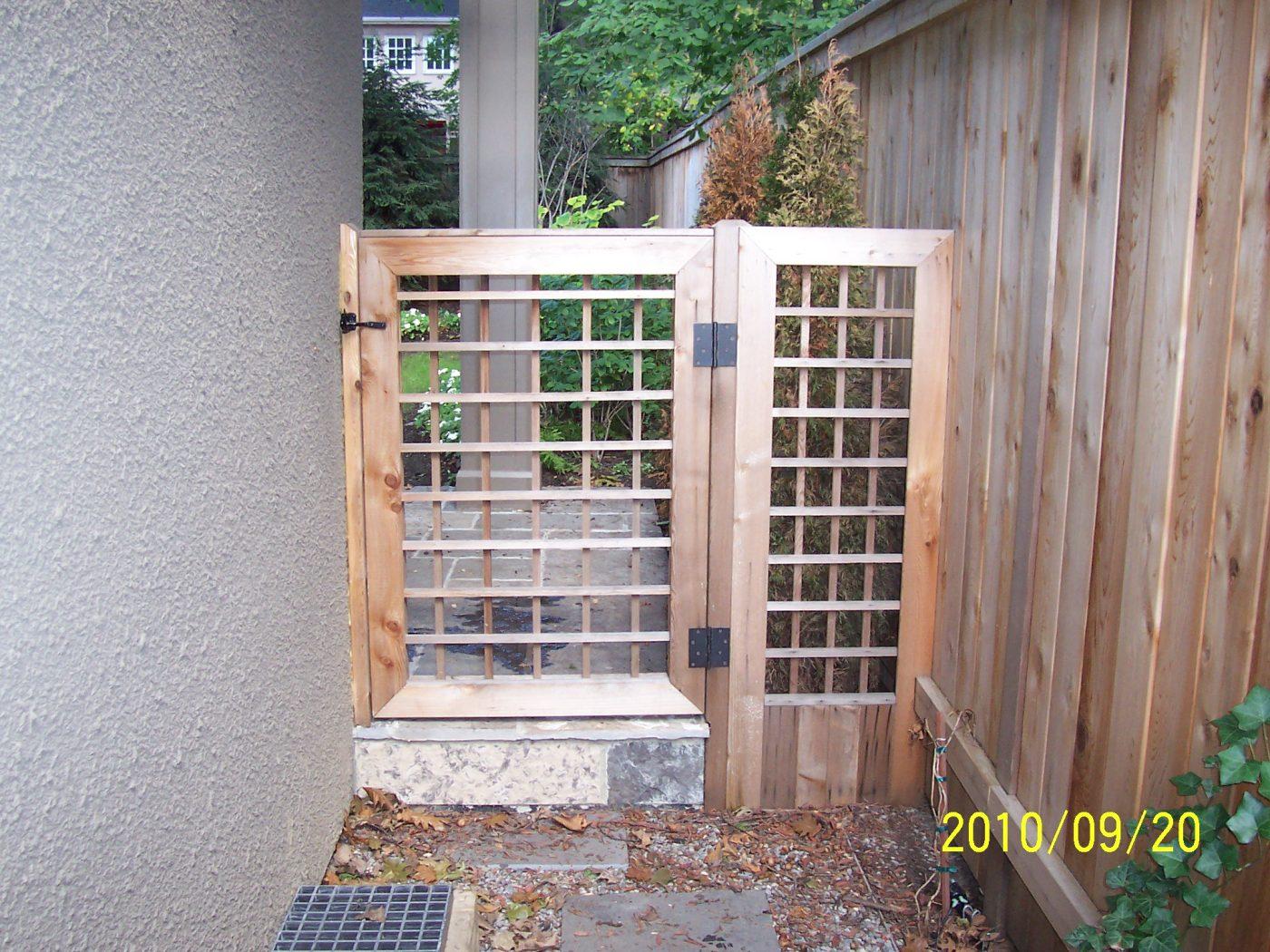 186 Glenrose back Gate
