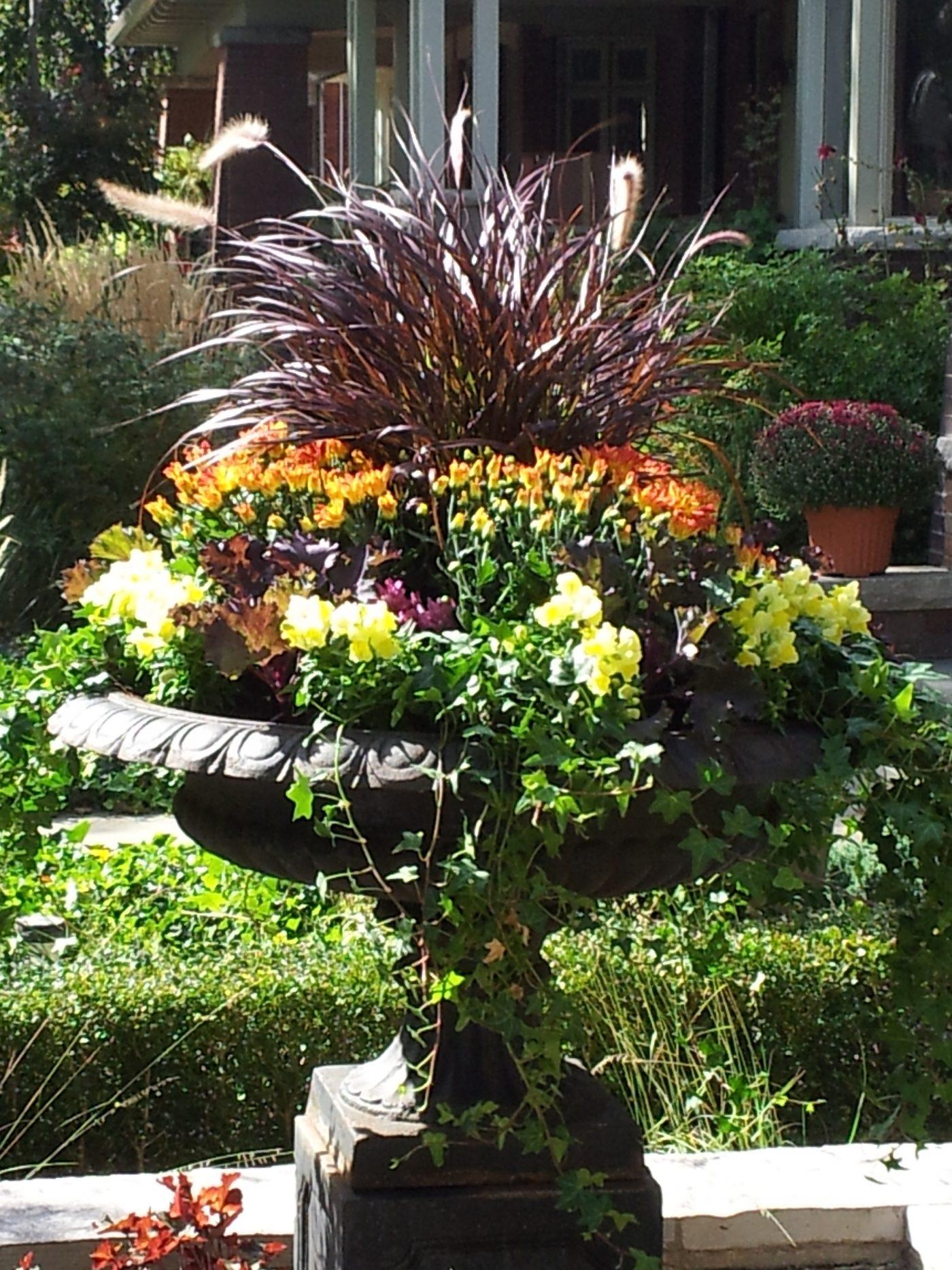 residential fall urn